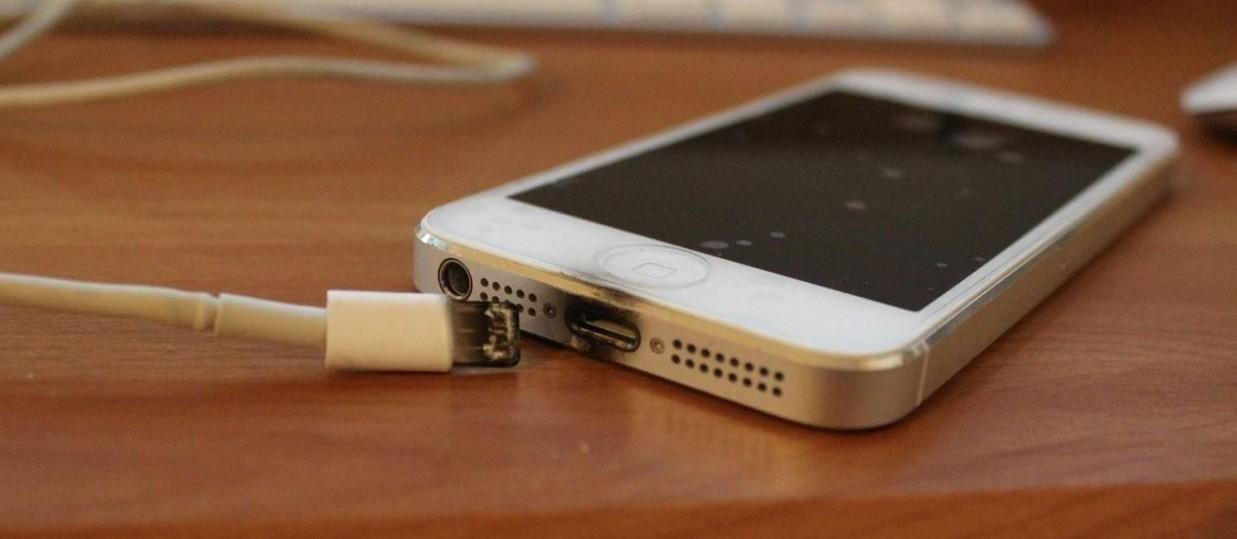 Se merita sa iti repari telefonul, sau e mai bun unul nou?